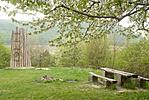 Pihenő a kolostorrom közelében