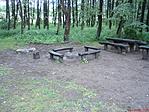 Asztalok, padok, tűzrakóhely