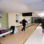 ... és bowling pályája...