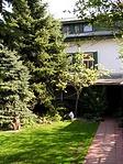 a vendégház a belső udvarban
