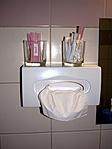 ...pohár, szappan, sampon, zuhanysapka, papírtörlő - ahogy kell...