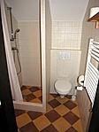 Fürdőszoba az ajtóból
